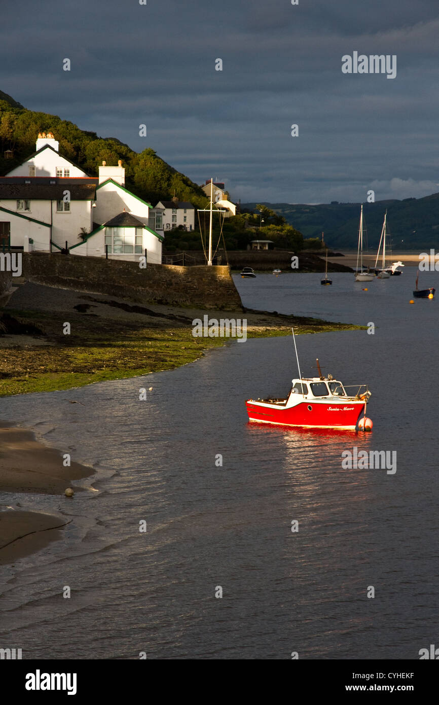 Evening light at  Aberdyfi (Aberdovey) on the Dyfi estuary, Snowdonia National Park, Gwynedd, North Wales, UK Stock Photo