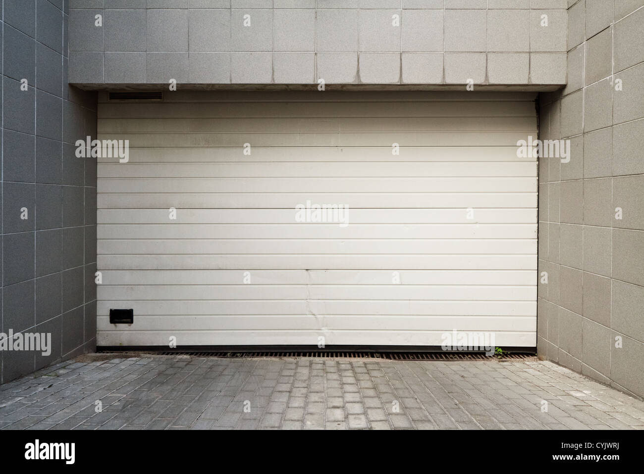 White Garage Door Stock Photos White Garage Door Stock Images Alamy