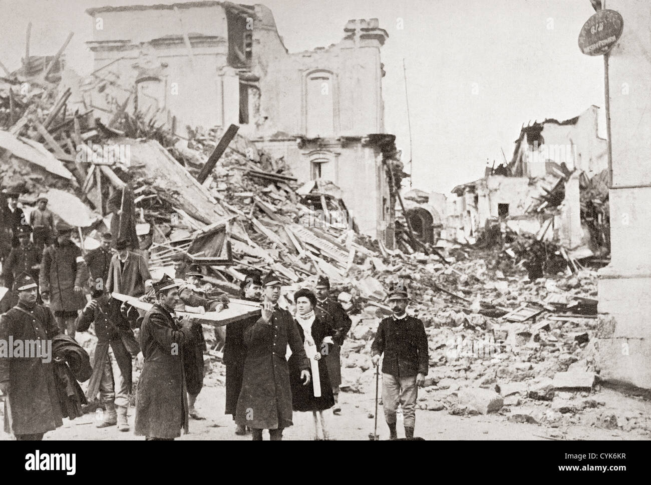 King Victor Emanuel III of Italy and his wife Elena of Montenegro visit Messina, Italy after the earthquake of 1908. - Stock Image