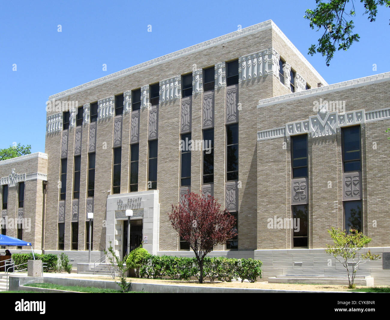 Lea County (New Mexico) Court House, located at 100 N. Main in Lovington, New Mexico. According to a plaque on the - Stock Image