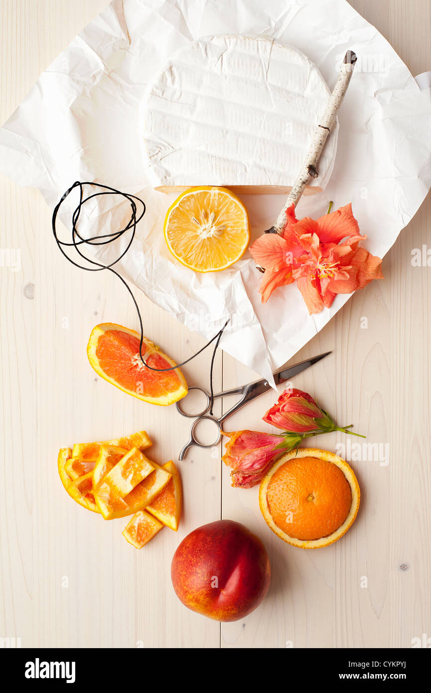 Orange cheese twine and flowers - Stock Image