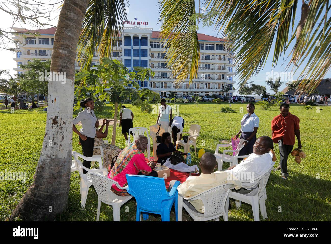 Park of the Stella Maris Hostel in Bagamoyo, Tanzania - Stock Image