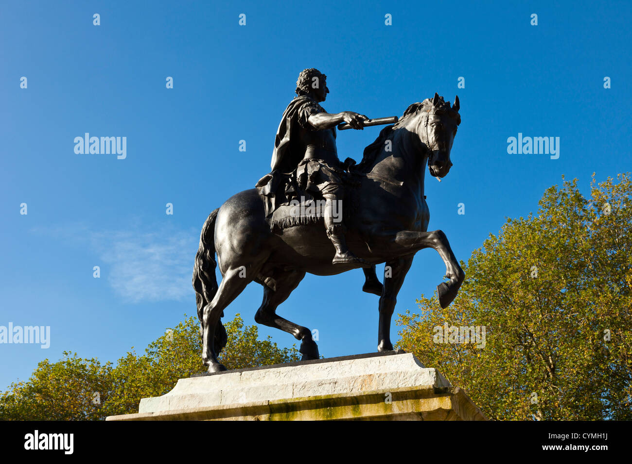 Bronze statue of William III by Rysbach erected in 1736 in Queens Square, Bristol, England, UK. - Stock Image