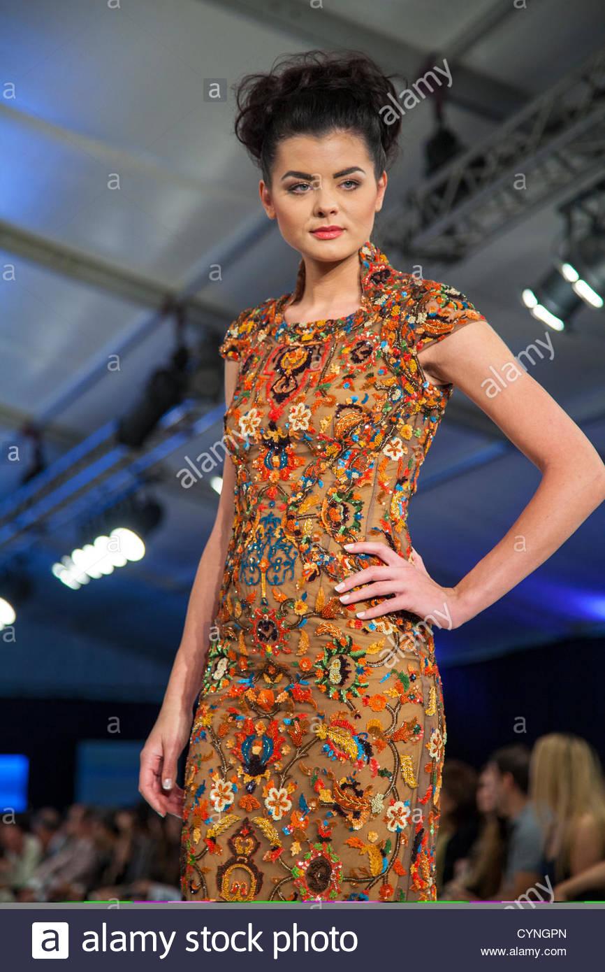Amman jordan november 7 model displays dress by - Mobeldesigner italien ...