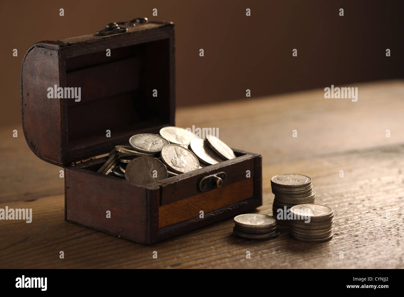 Treasure chest, old coins - Stock Image