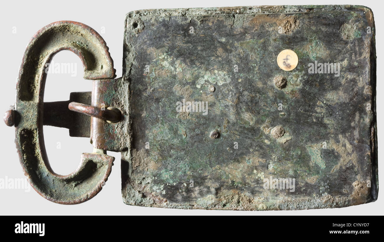 A Visigothic ceremonial belt buckle, 5th - 6th century A.D. Rectangular belt plate, bronze with greenish patina. - Stock Image