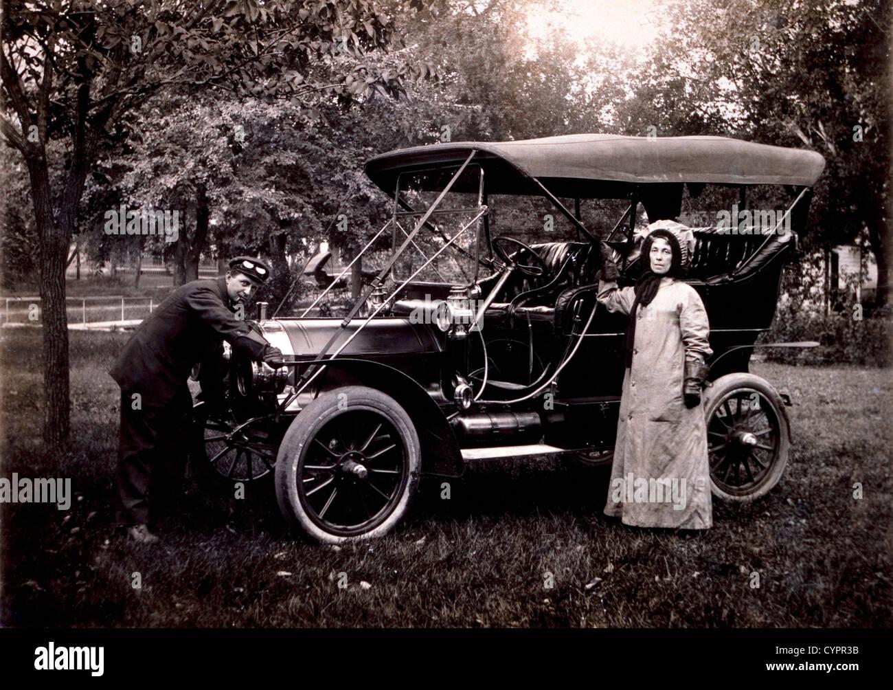 Cranking Car Stock Photos & Cranking Car Stock Images - Alamy