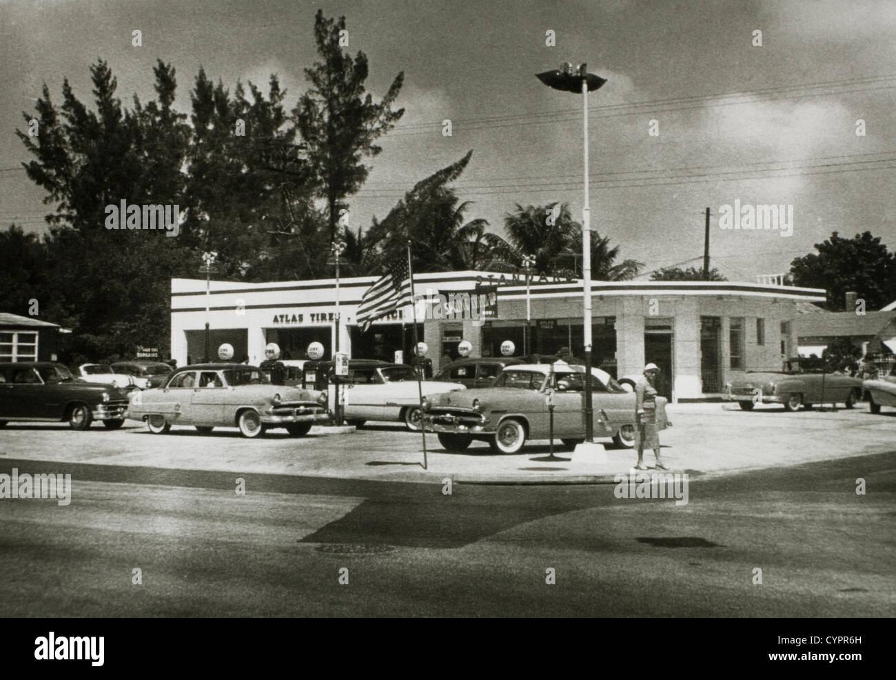 Gasoline Station, Madison, Wisconsin, USA, Circa 1950 - Stock Image