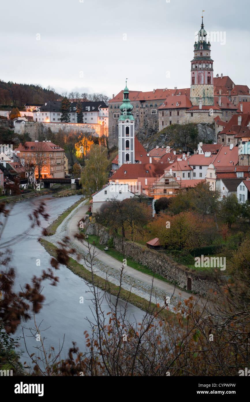 Castle in Cesky Krumlov above Vltava river at dusk, Czech Republic. UNESCO World Heritage site - Stock Image