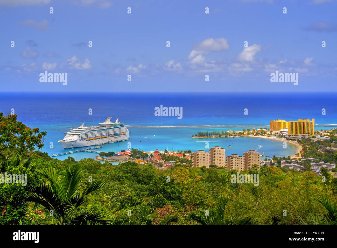 View over Ocho Rios port town, Jamaica, with anchored cruise liner - Stock Image