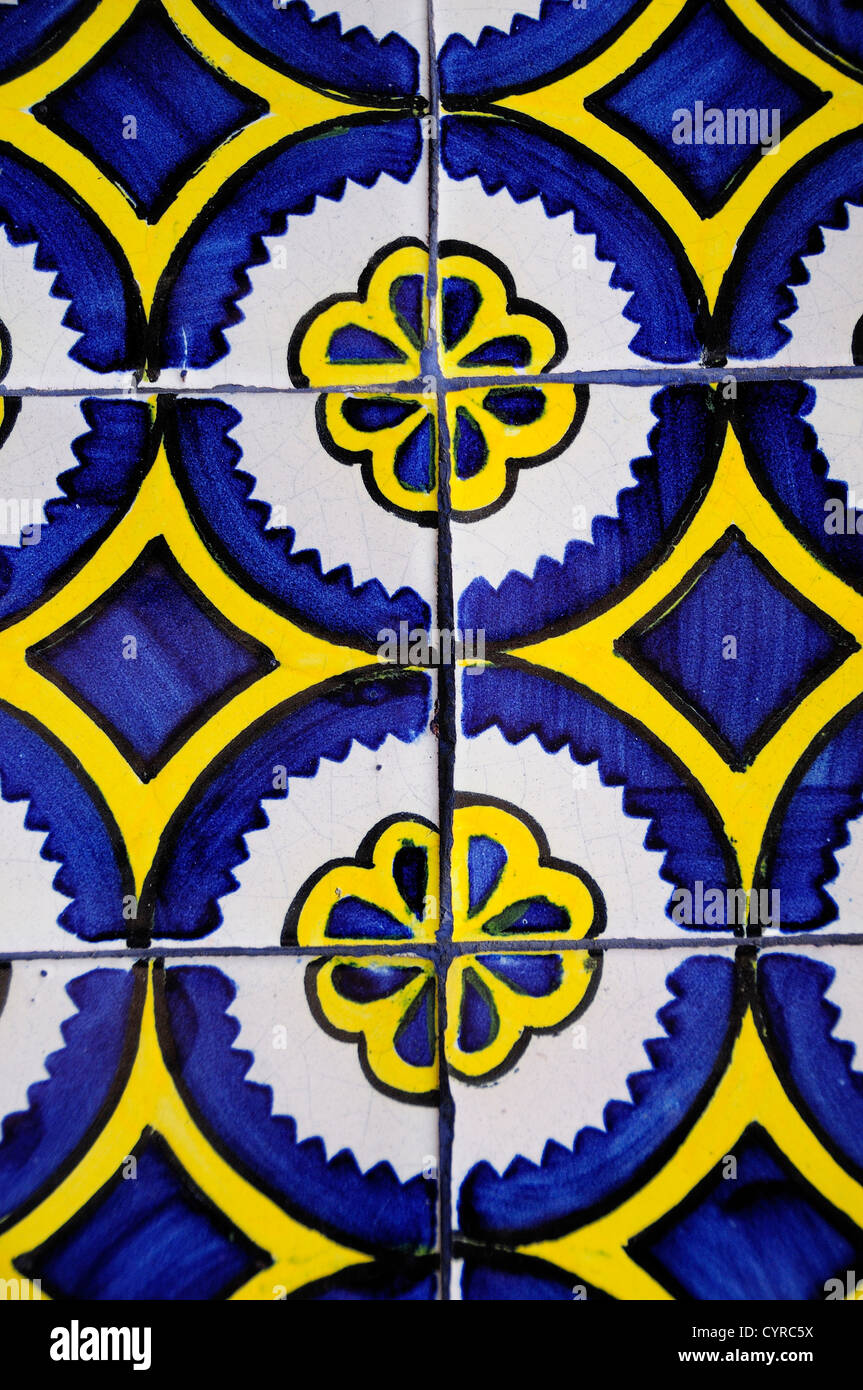 Talavera Tile Stock Photos Talavera Tile Stock Images Alamy - Black and white talavera tile