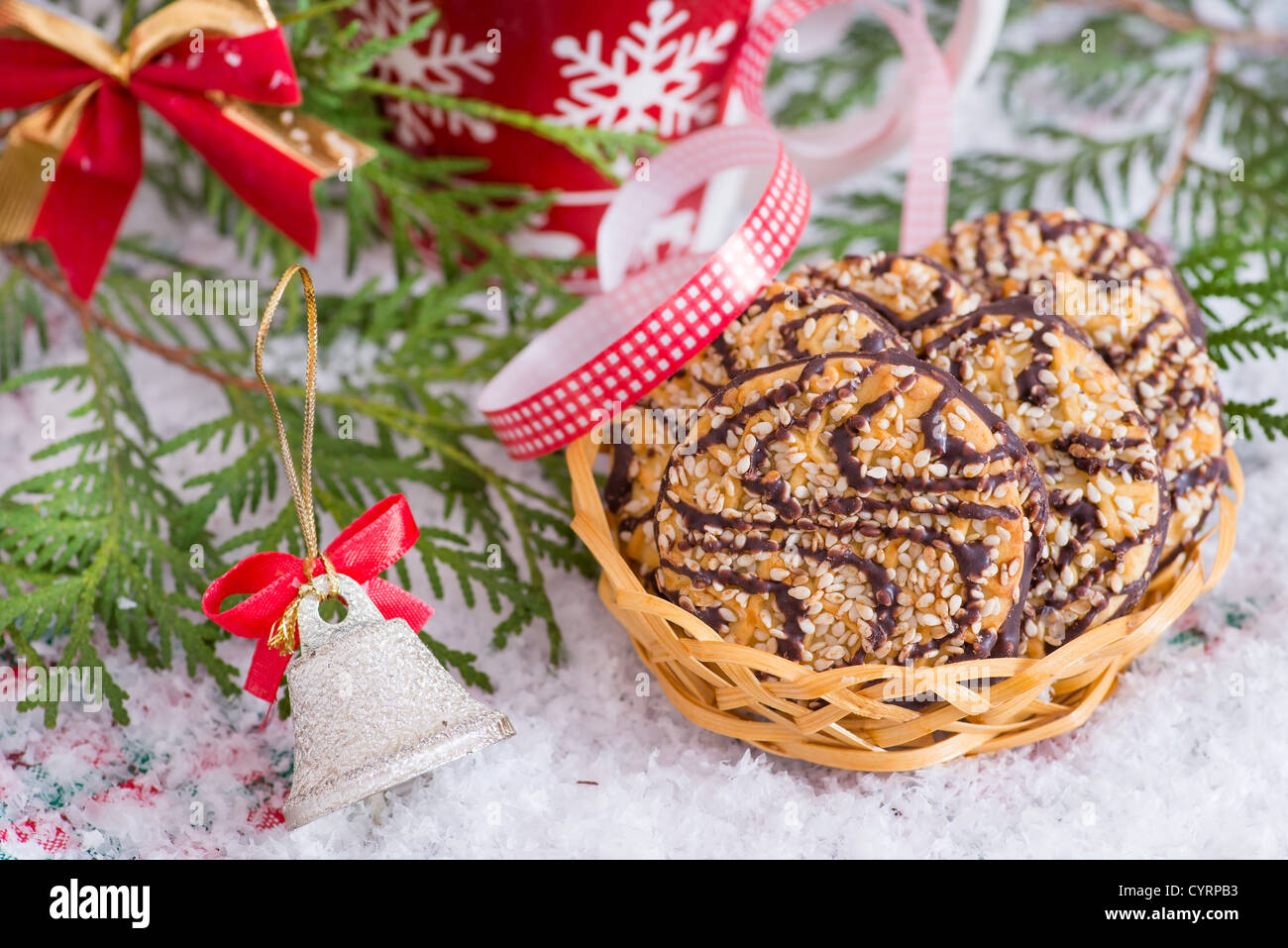 Christmas cookies in basket with festive decoration and snow ...