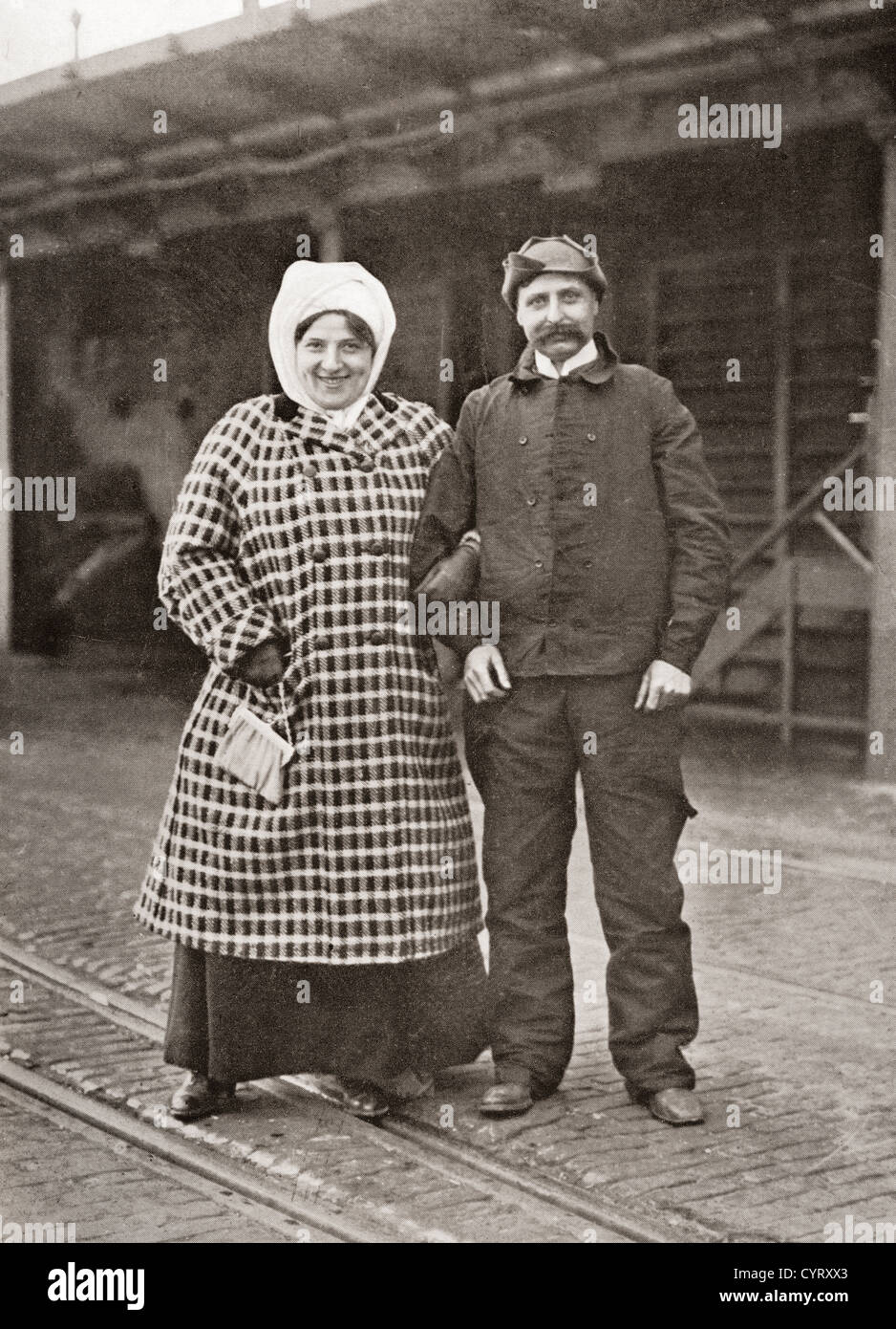 Louis Blériot and his wife Alice Védère after his cross channel flight in 1909. - Stock Image