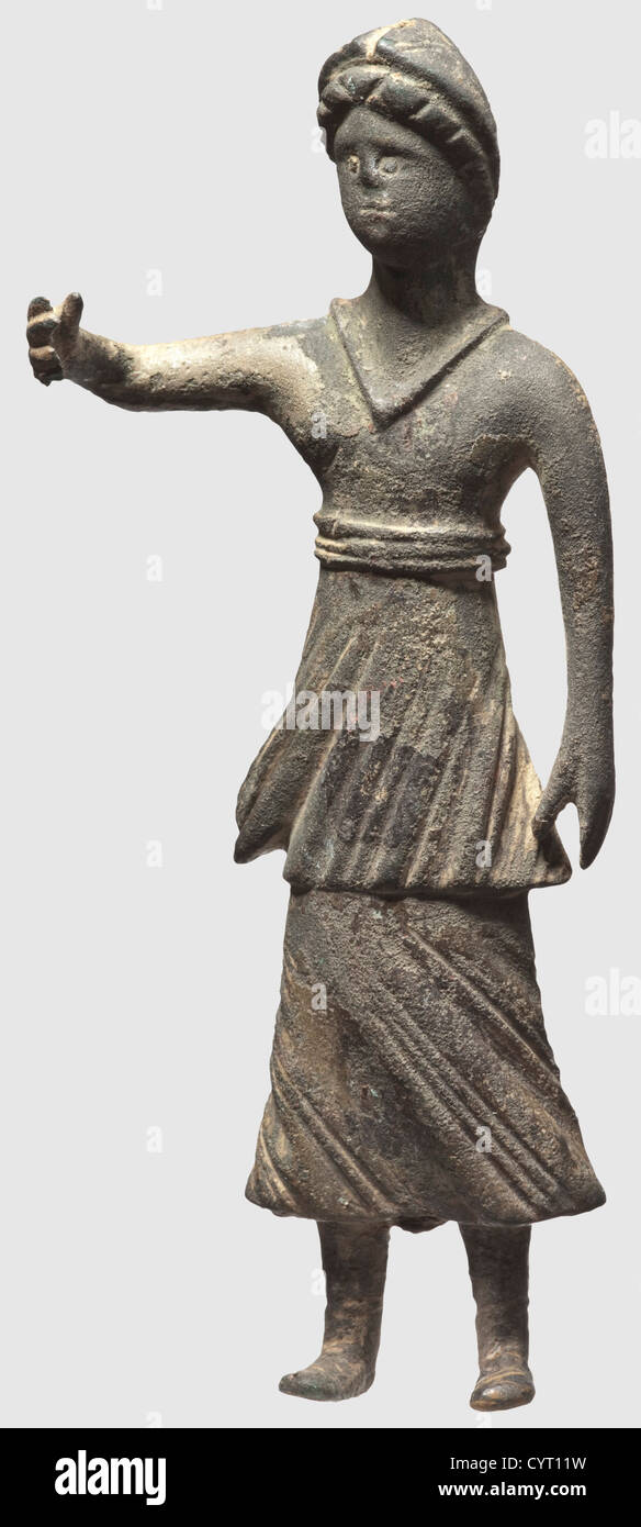 A Celto-Roman figurine of Athena, 1st century BC/1st century AD. Bronze with greenish patina. A standing female - Stock Image