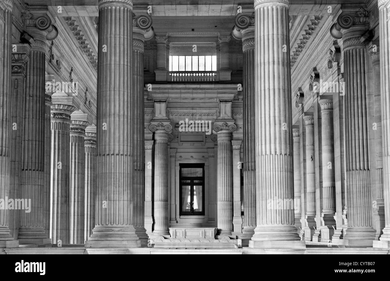 BRUSSELS - JUNE 22: Neoclasical vestiubule of Justice palace on June 22, 2012 in Brussels. - Stock Image