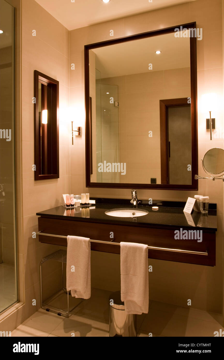 Elegant 5 star hotel or apartment luxury bathroom Stock ... on 2 star hotel bathrooms, 5 star movies, 5 star hotels in orlando, 5 star boutique hotels paris, regal princess mini suite bathrooms, 5 star rate, 5 star hotels in atlanta, world's best bathrooms, 5 star hotels in delhi, luxury bathrooms, 5 star review, 5 star hospitals, 5 star cafe, 5 star book rating, 20 star hotel inside bathrooms, resort bathrooms, 5 star hotels dublin, 5 star hotels in cancun, 5 star accommodations, beautiful bathrooms,