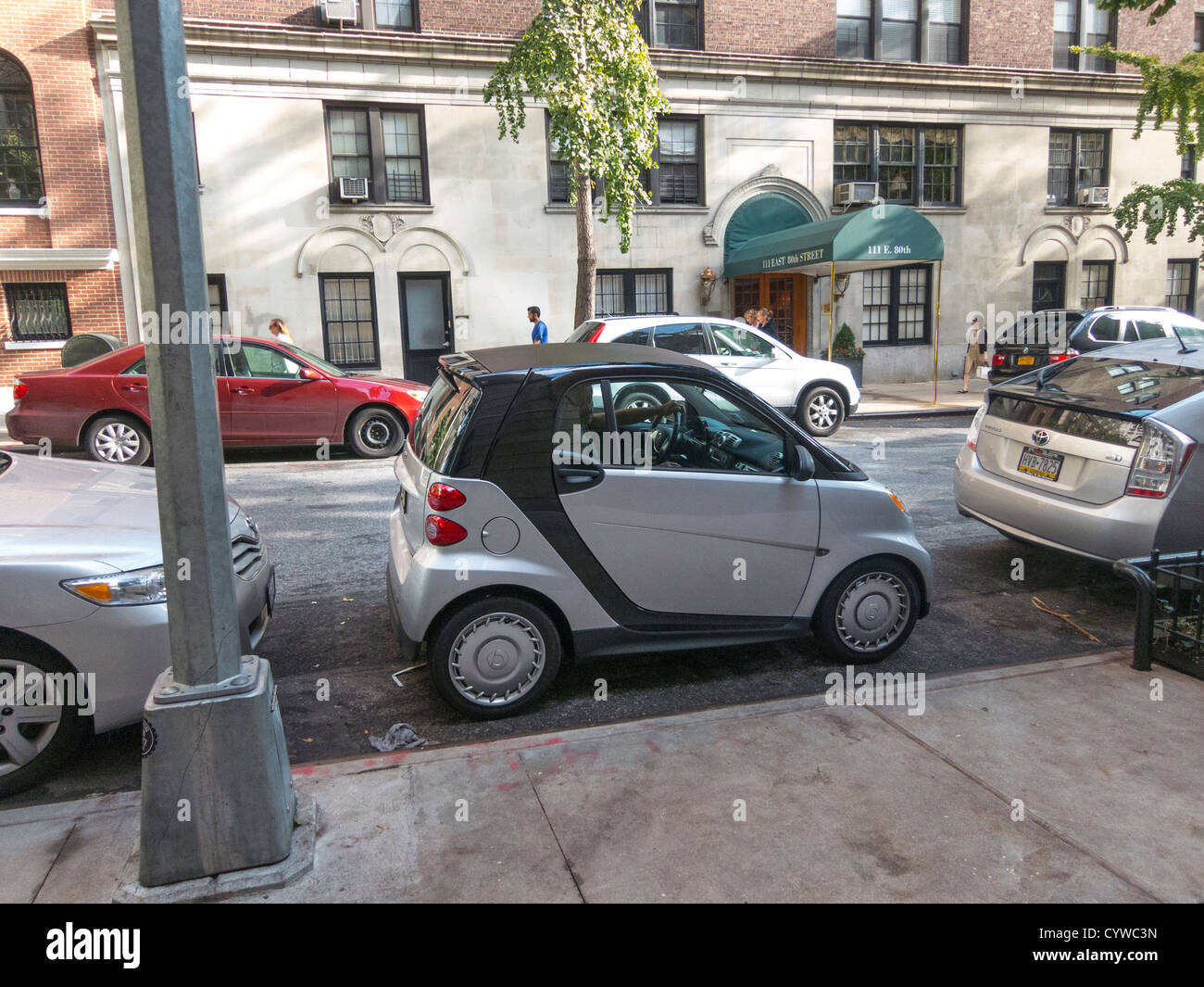 Smart Car parked in small space, Upper East Side, Manhattan, New ...