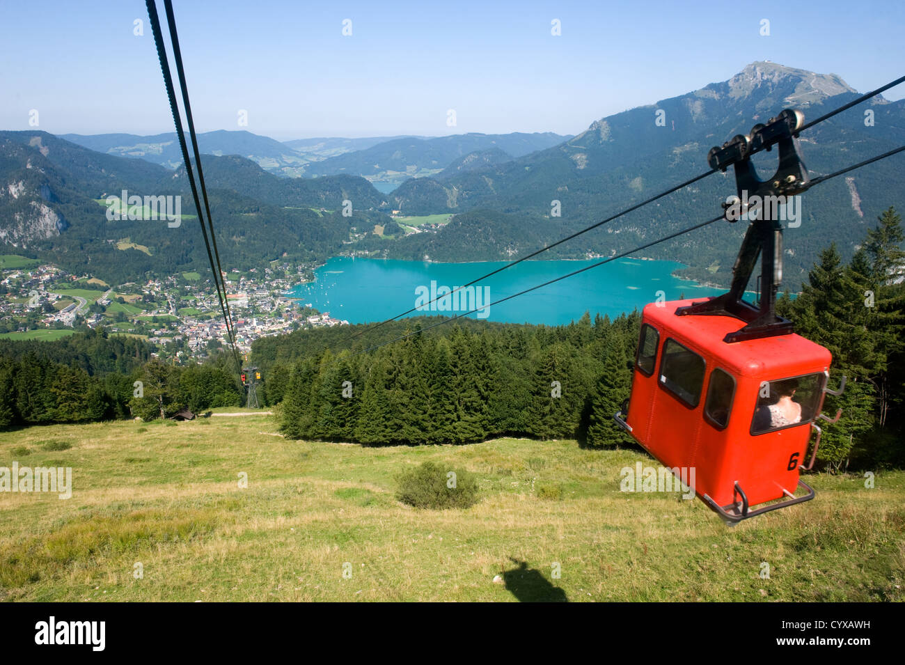 Cableway that goes on to the top of the zwölferhorn mountain near the Wolfgangsee in Austria - Stock Image