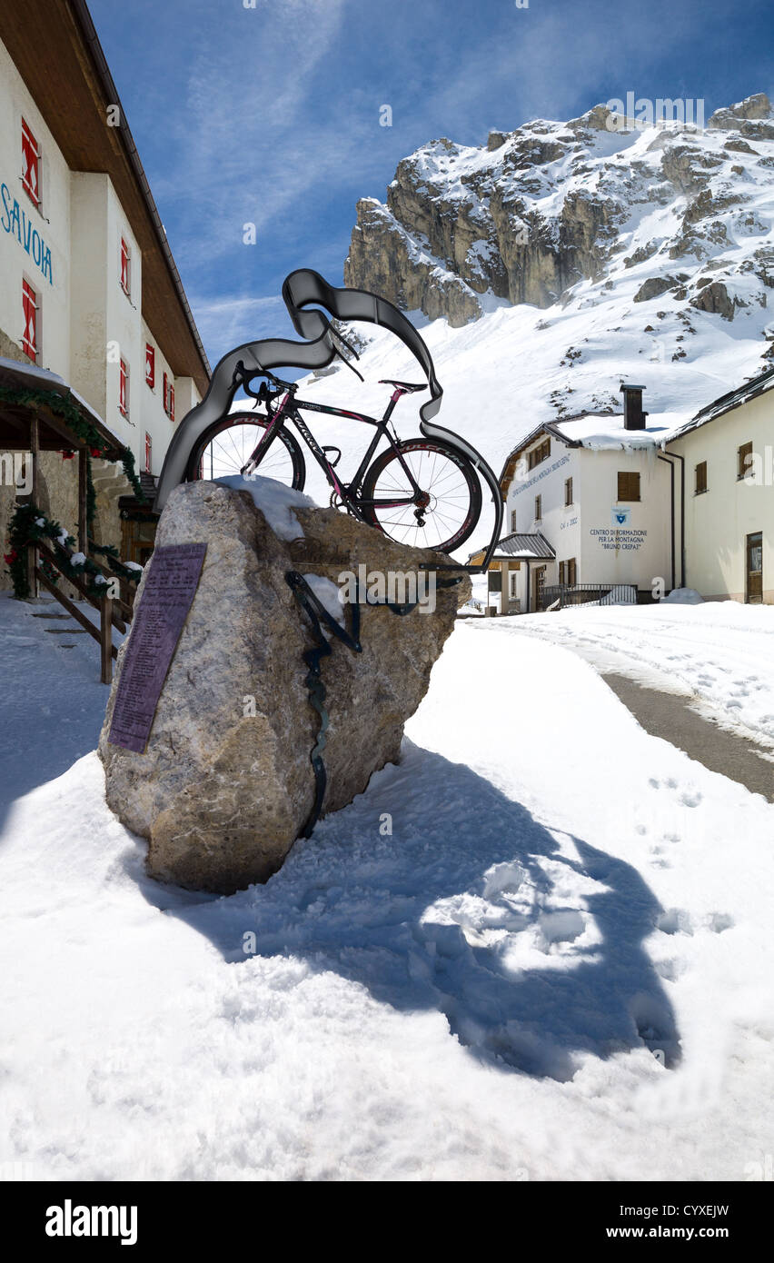 Italy, Dolomites, Trentino Alto Adige, a monument to the cyclists in the Pordoi Pass - Stock Image