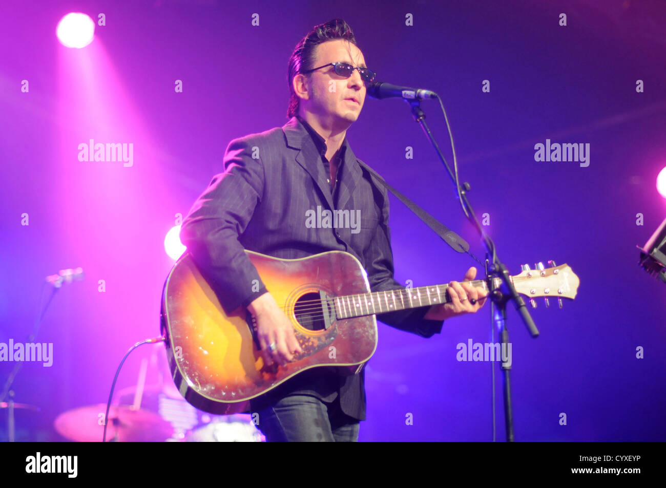 Folk Festival, Richard Hawley performing on stage with acoustic guitar. Great Britain Northern Europe UK United - Stock Image