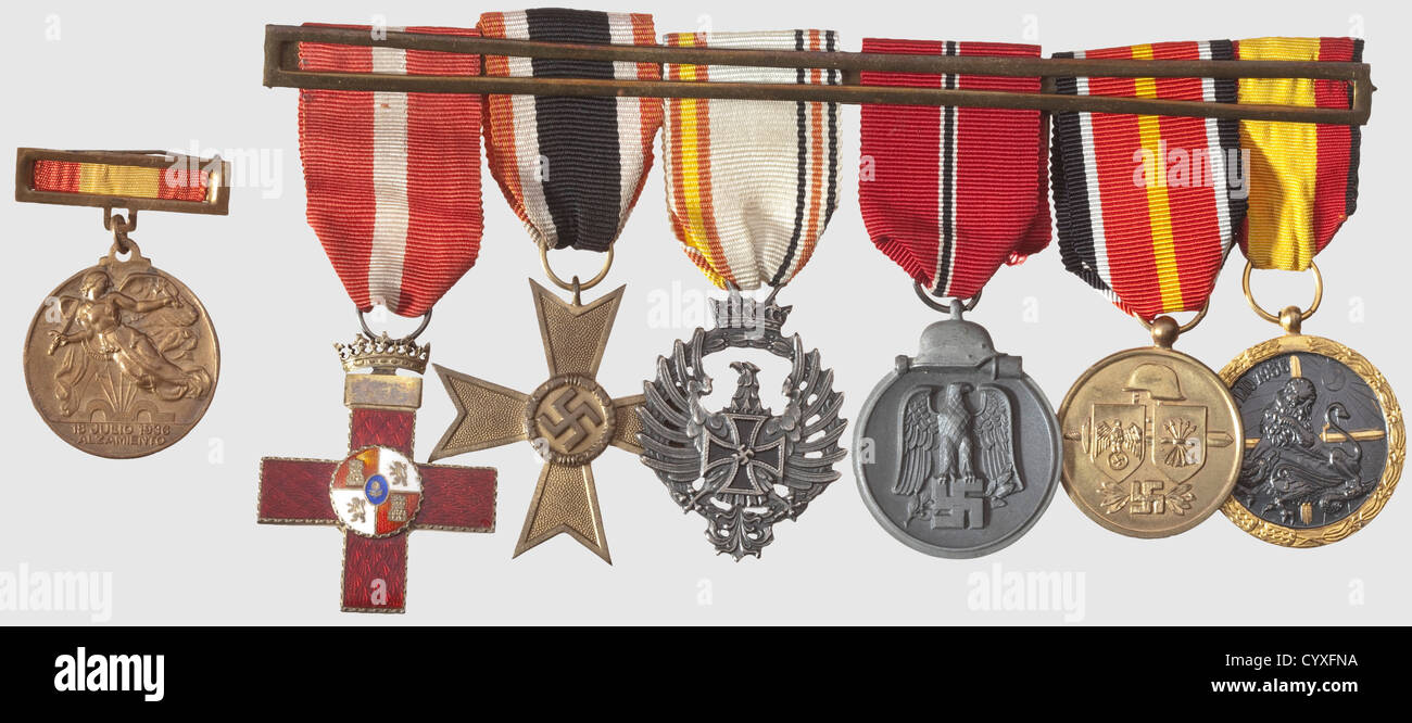 The Spanish Blue Division, the legacy of soldier Gutierrez del Castillo with letters A large five part medal bar - Stock Image