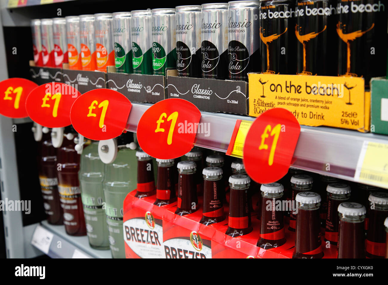 Shopping, Supermarket, Drinks, Cheap Alcoholic drinks on sale for one pound. - Stock Image