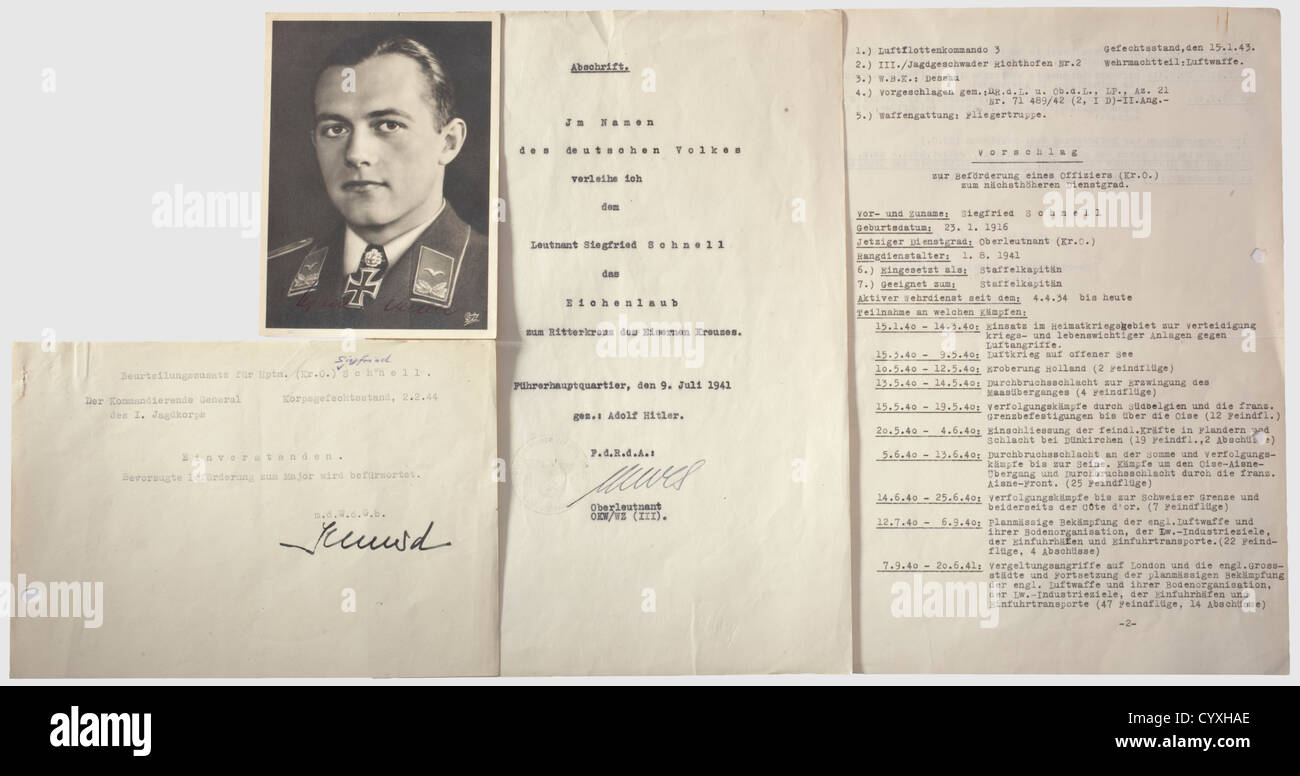 Siegfried Schnell (1916 - 1944), photos and documents Photo postcard (Röhr, Magdeburg) with portrait and hand - Stock Image