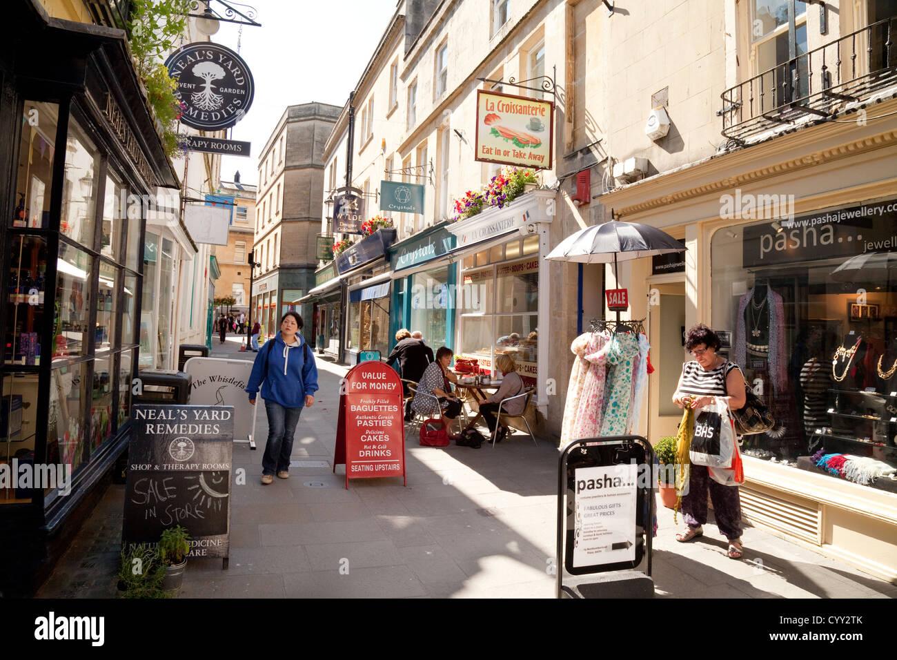 Street scene in summer , Northumberland Place, Bath city centre, Bath Somerset UK - Stock Image