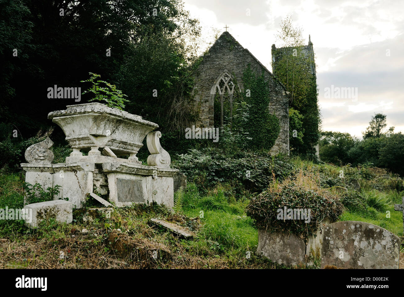 Tintern, Wye Valley, Monmouthshire, Wales, UK. Ruins of the Church of St. Mary the Virgin on Chapel Hill above Tintern - Stock Image