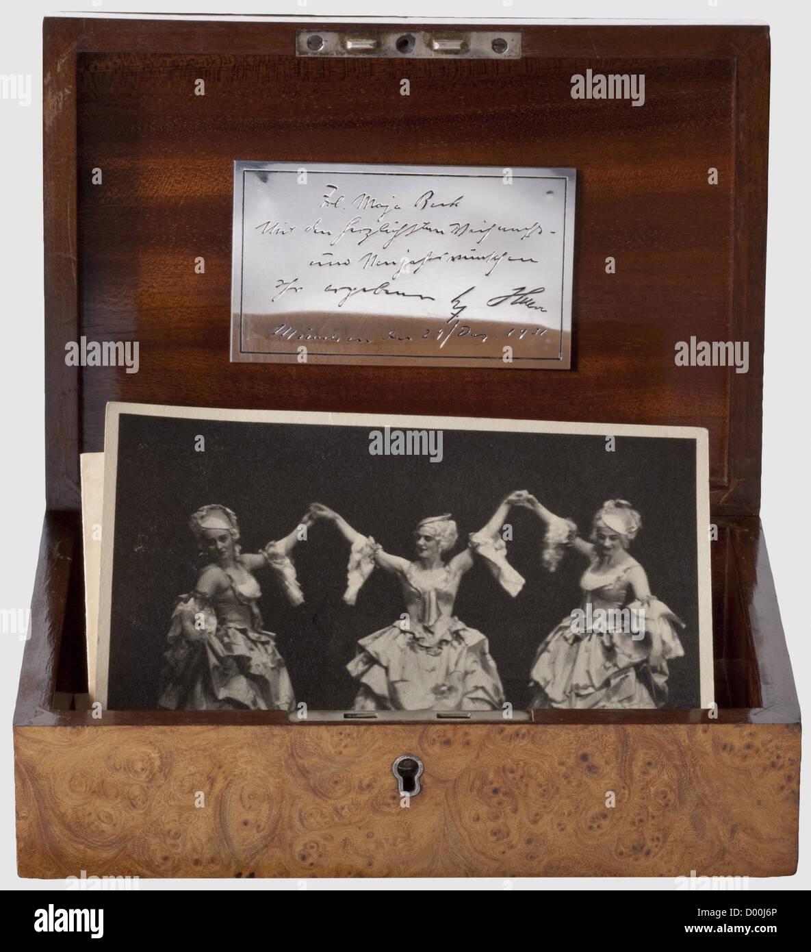 hitler 1931 stock photos hitler 1931 stock images alamy. Black Bedroom Furniture Sets. Home Design Ideas