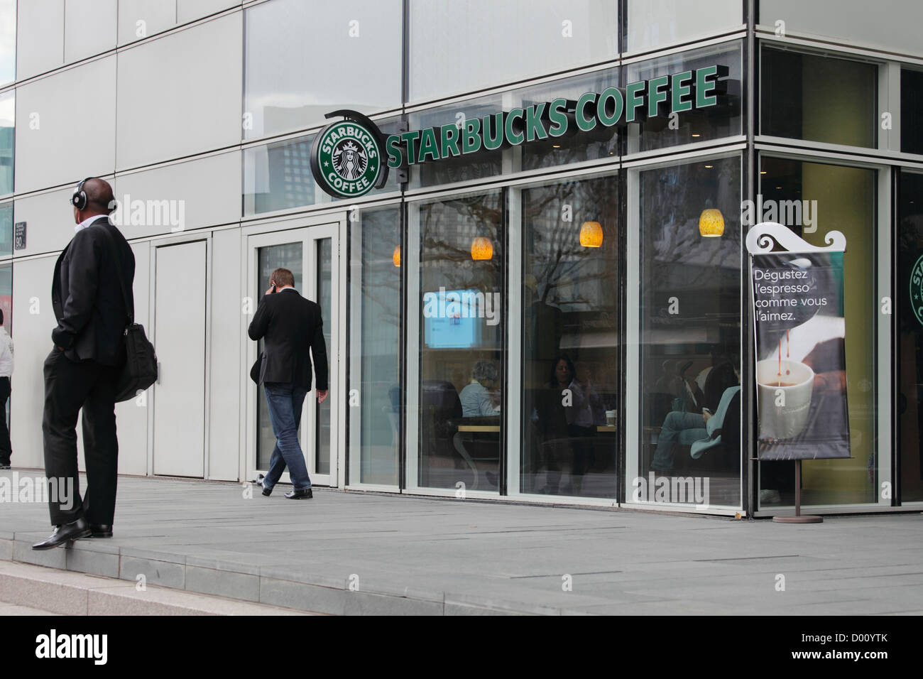 Starbucks Coeur Défense Coffee at the Voie des Batisseurs in la Défense in Paris - Stock Image