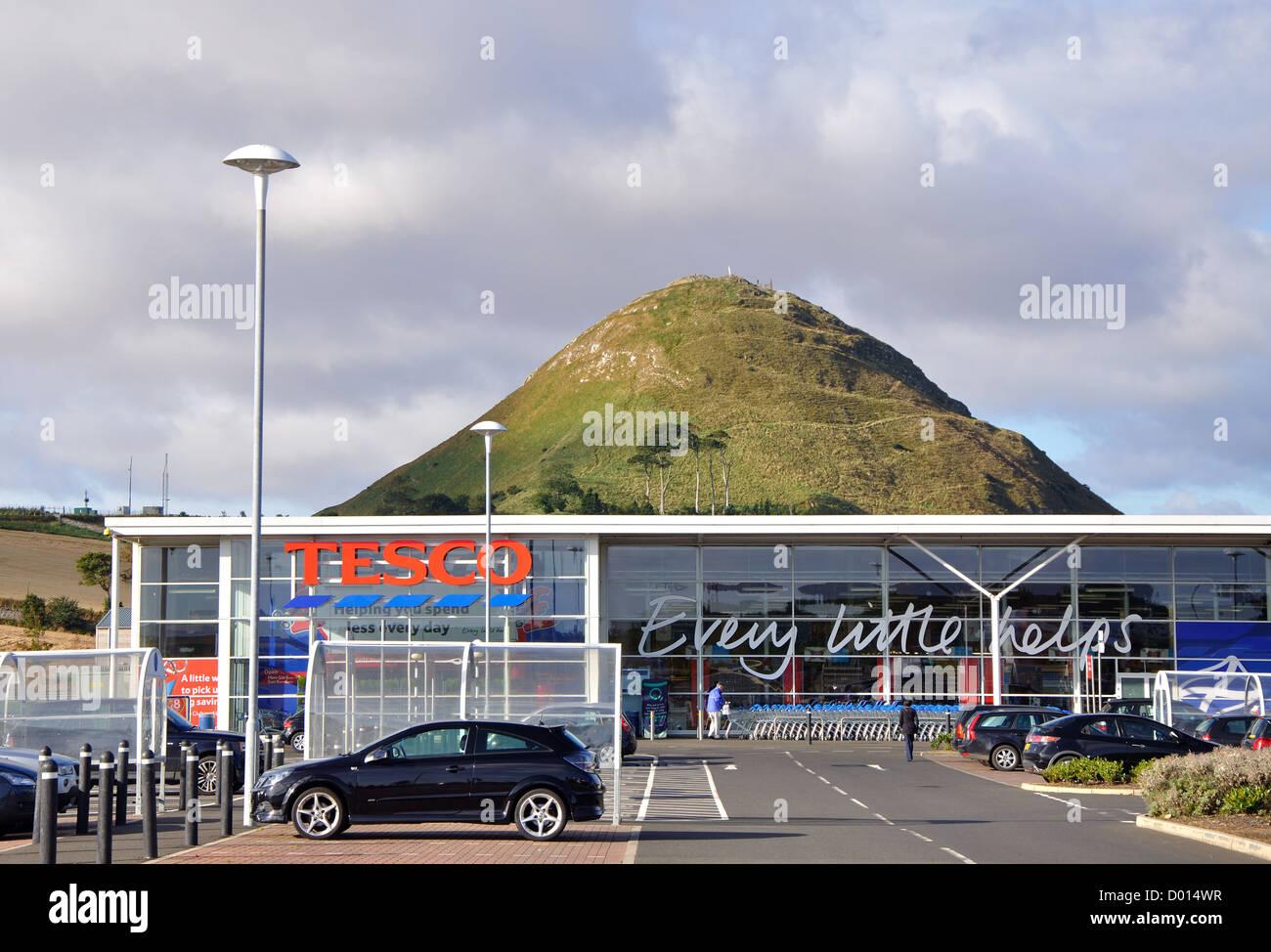 Tesco and North Berwick Law, North Berwick, East Lothian, Scotland, UK Stock Photo