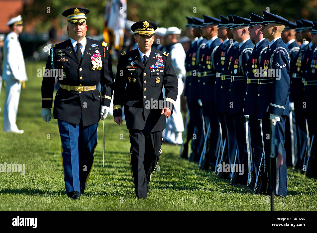U.S. Army General David H. Petraeus reviews troops at his retirement ceremony and Armed Forces Farewell, - Stock Image