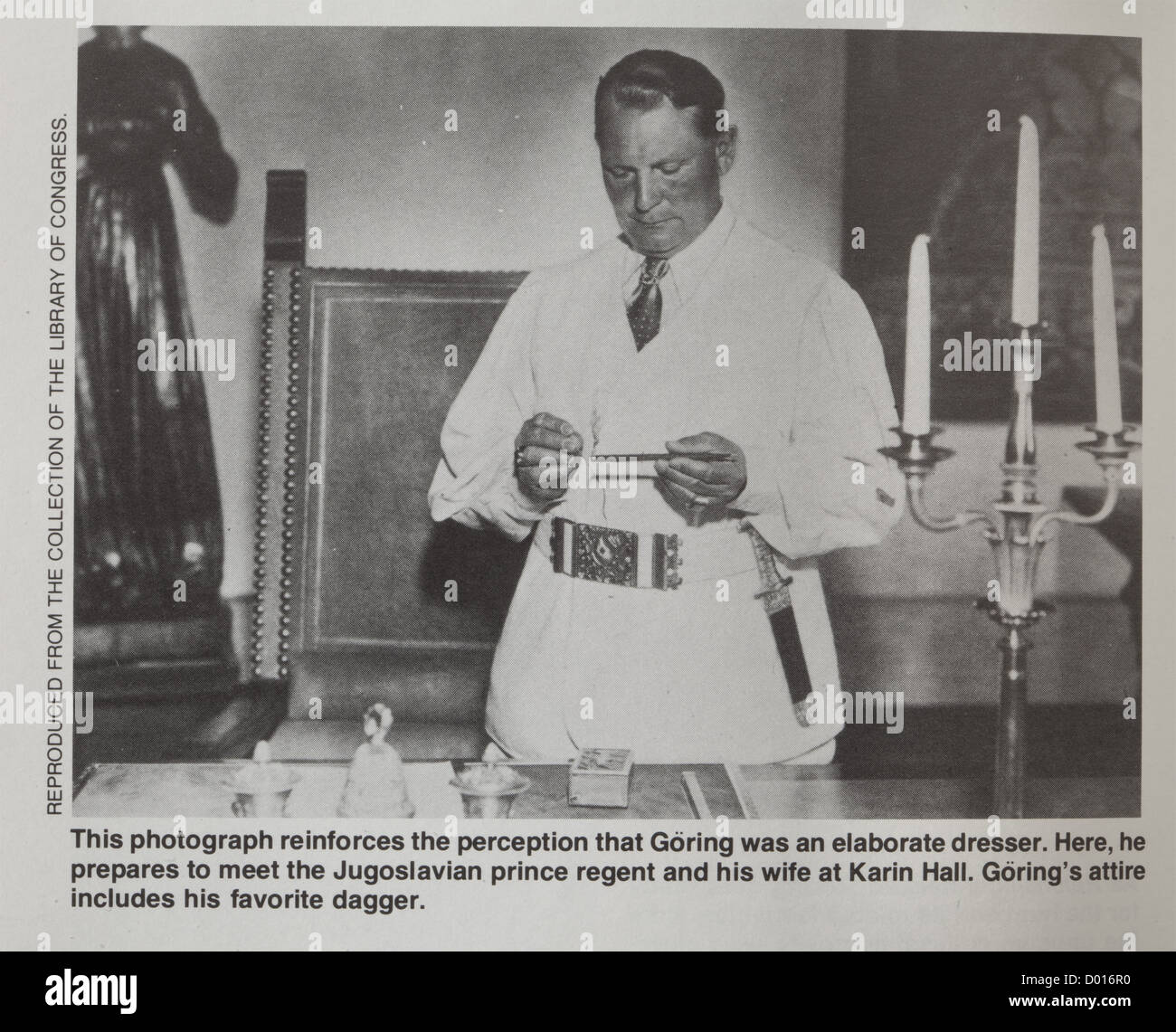 Hermann Göring - A magnificent dagger with ivory grip and bronze blade in early Germanic/Celtic style,Match to the Stock Photo