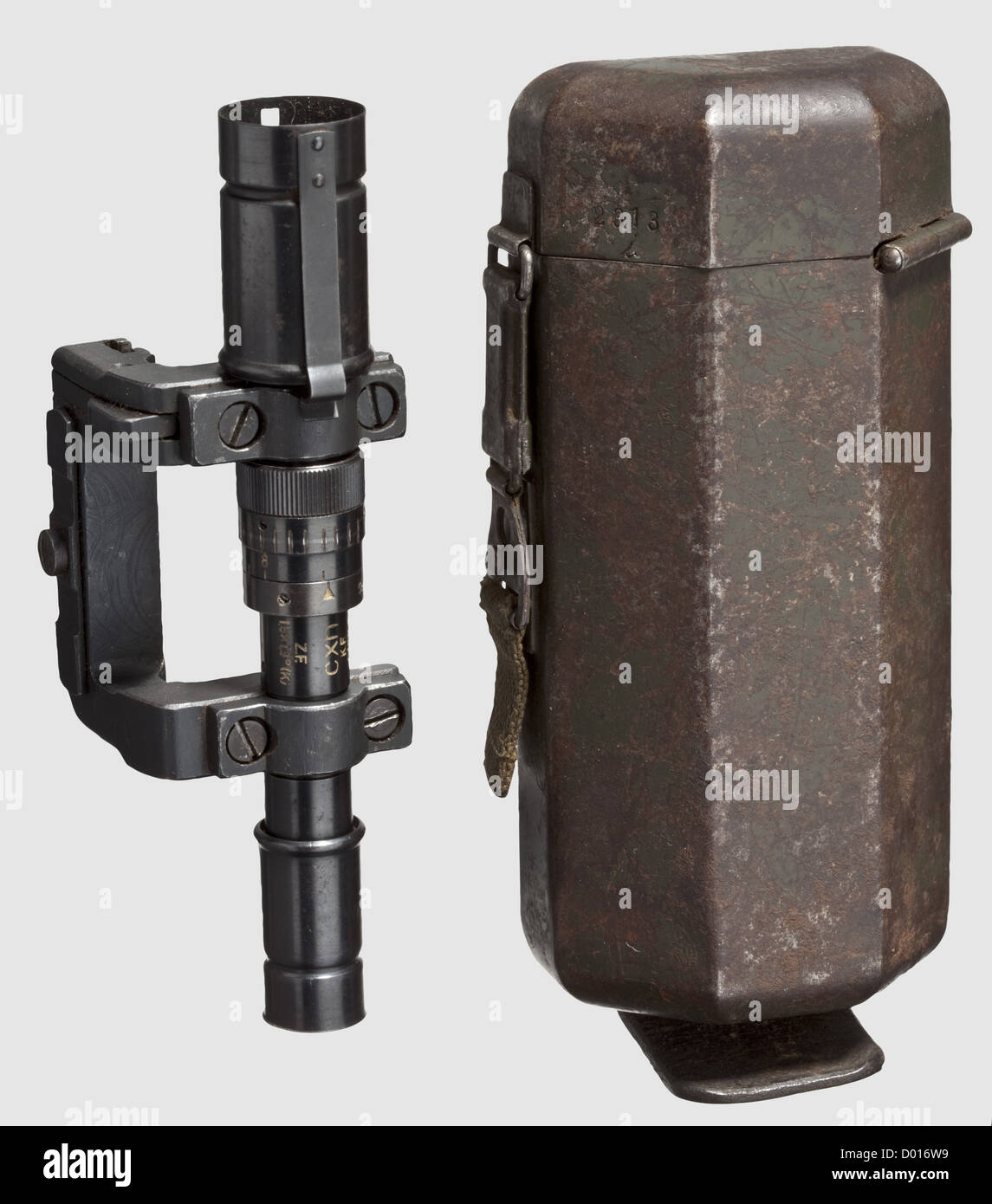 A carbine telescope without model designation (pre-series ZF 40?) with support and early case, On the barrel marked - Stock Image