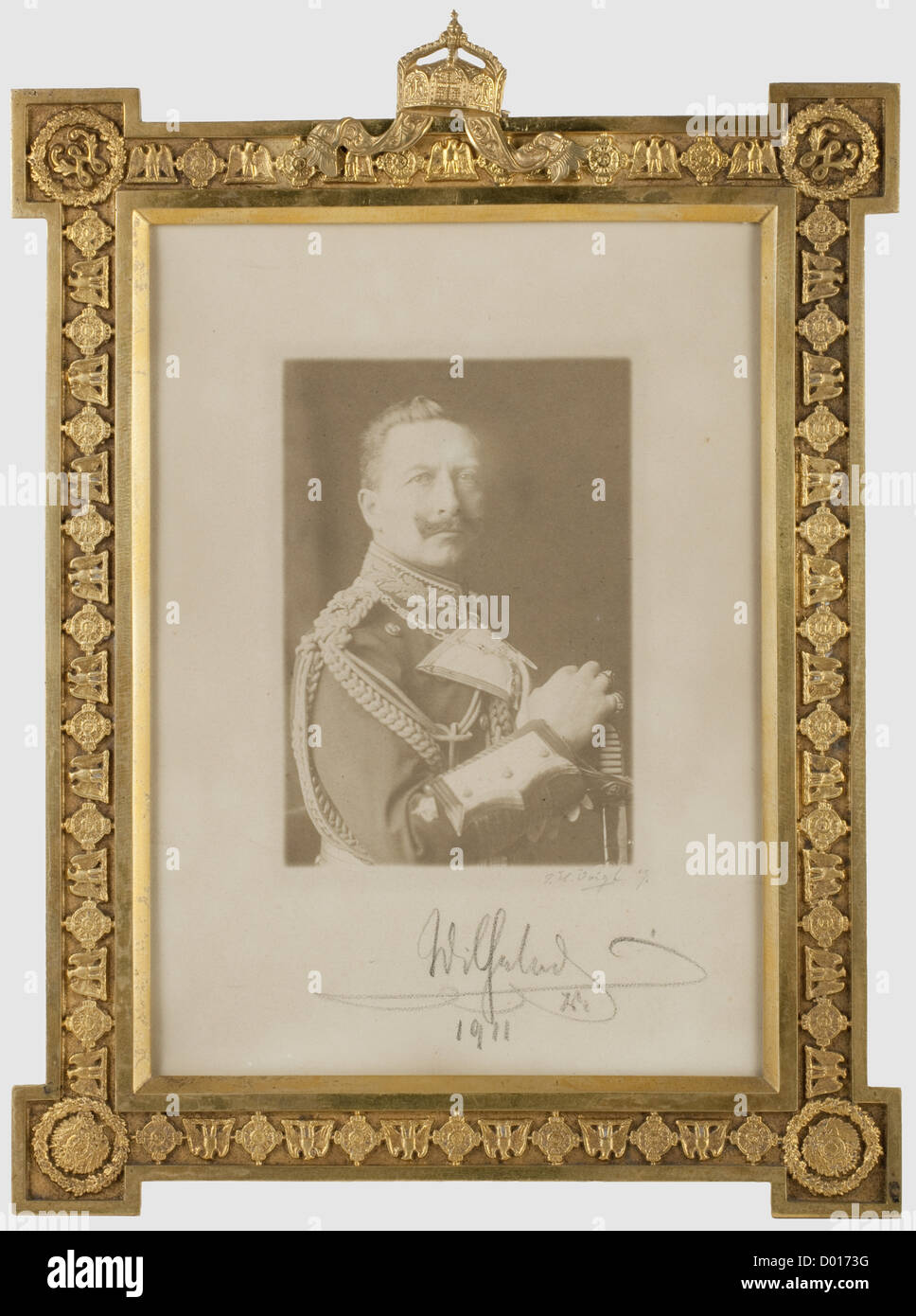 Kaiser Wilhelm II - a dedication picture frame, Gilt brass frame with surrounding collar of the Order of the Black - Stock Image
