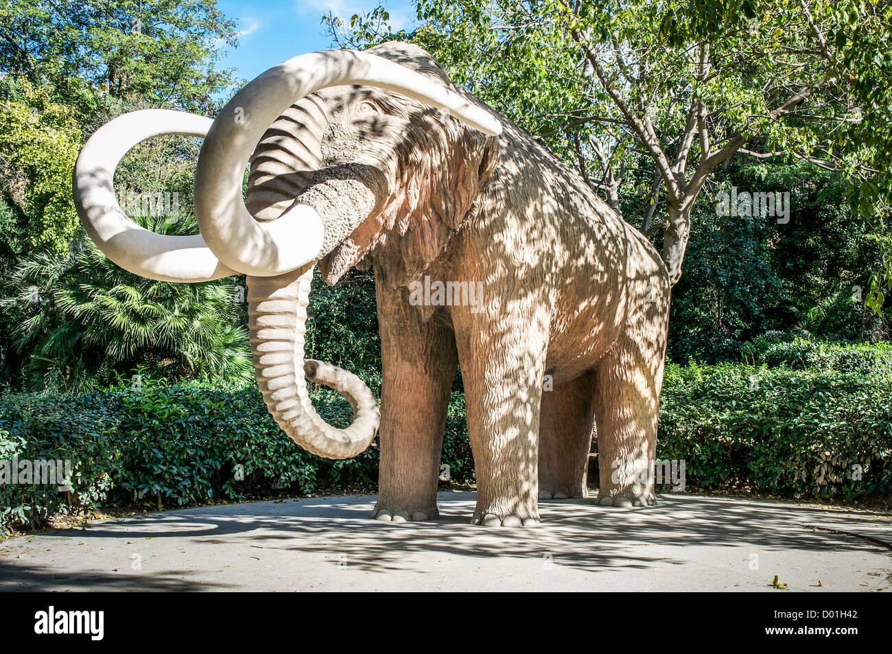 Huge Sculpture Of A Woolly Mammoth In The Parc De La Ciutadella In Stock Photo Alamy