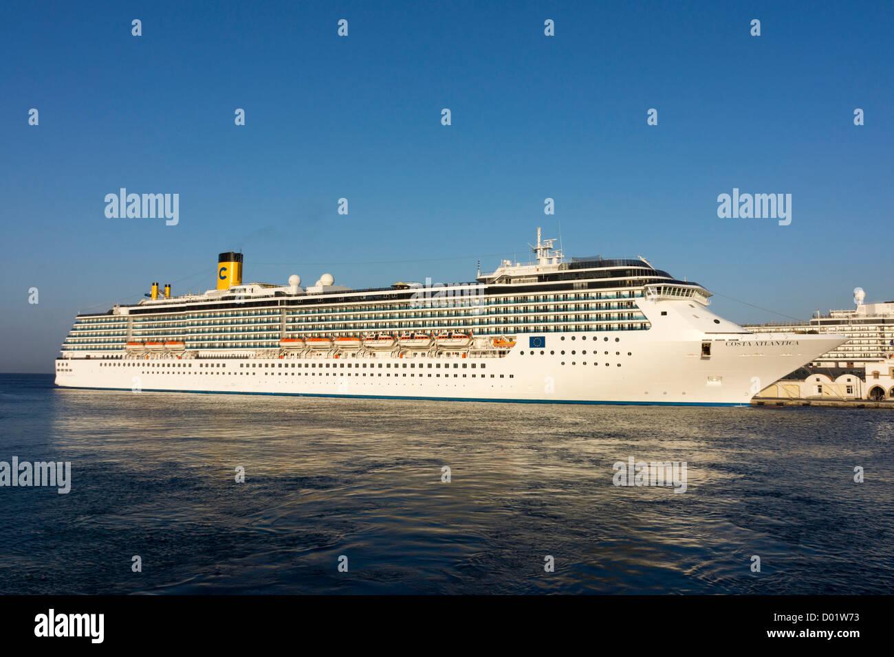 Cruise liners in Rhodes, Rhodos, harbour Costa Atlantica - Stock Image