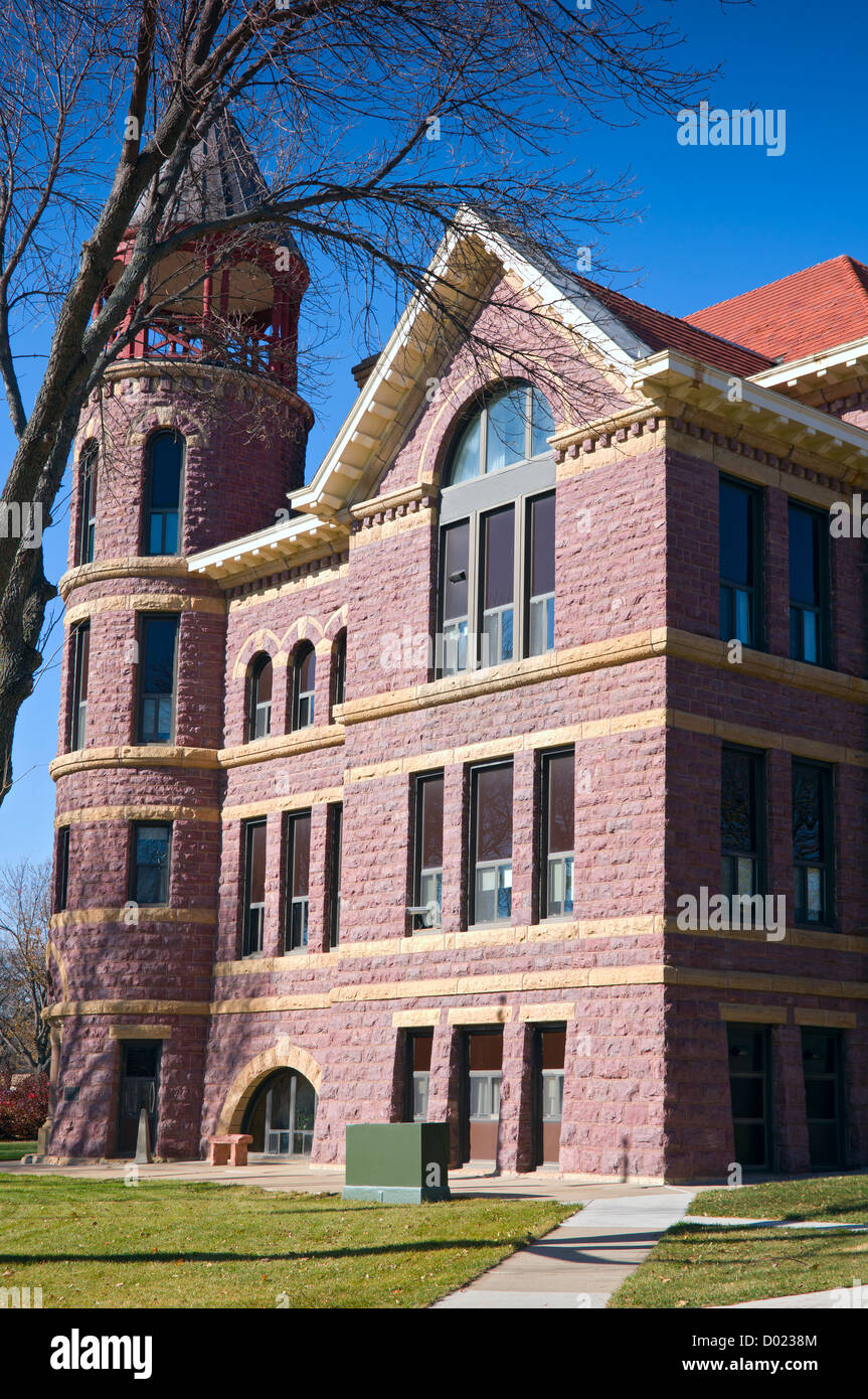 Rock County Courthouse in Luverne Minnesota of Richardsonian Romanesque Revival style and constructed of Sioux quartzite - Stock Image