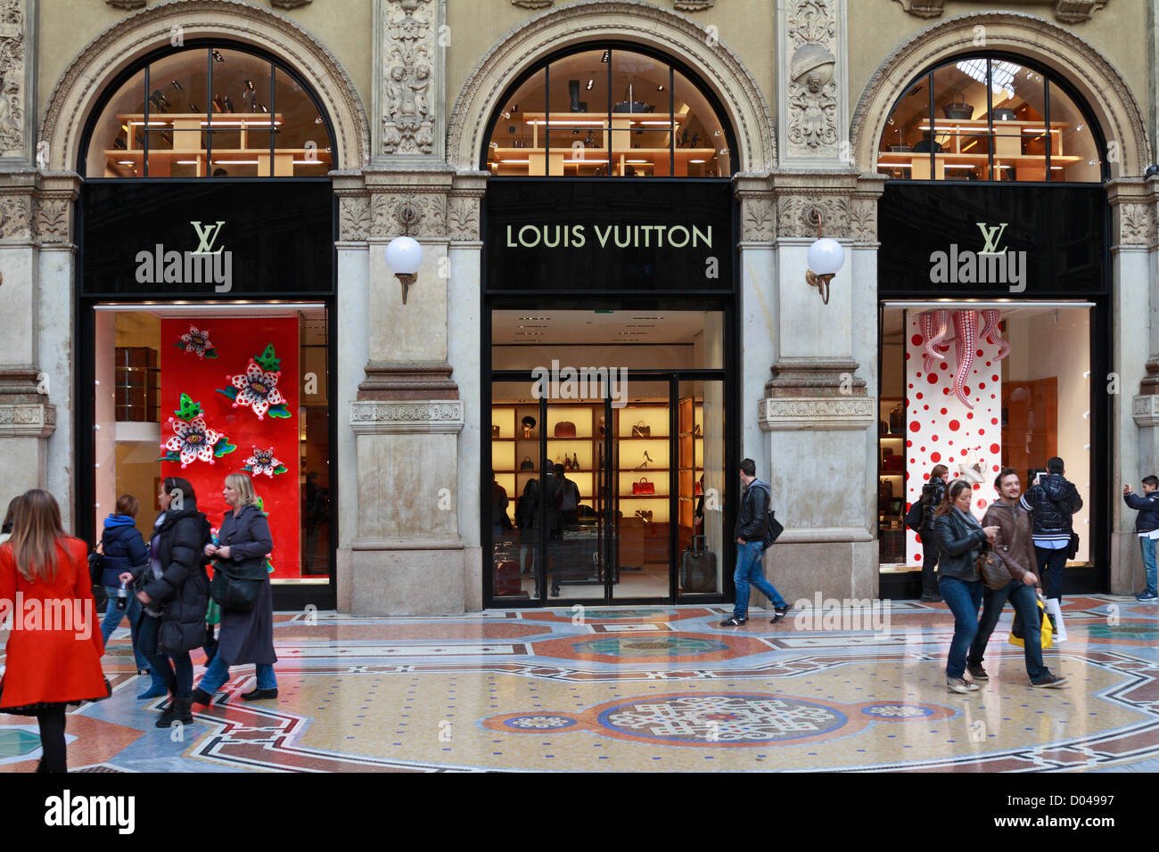 Louis Vuitton Store Galleria Vittorio Emanuele Ii Milan Italy Europe