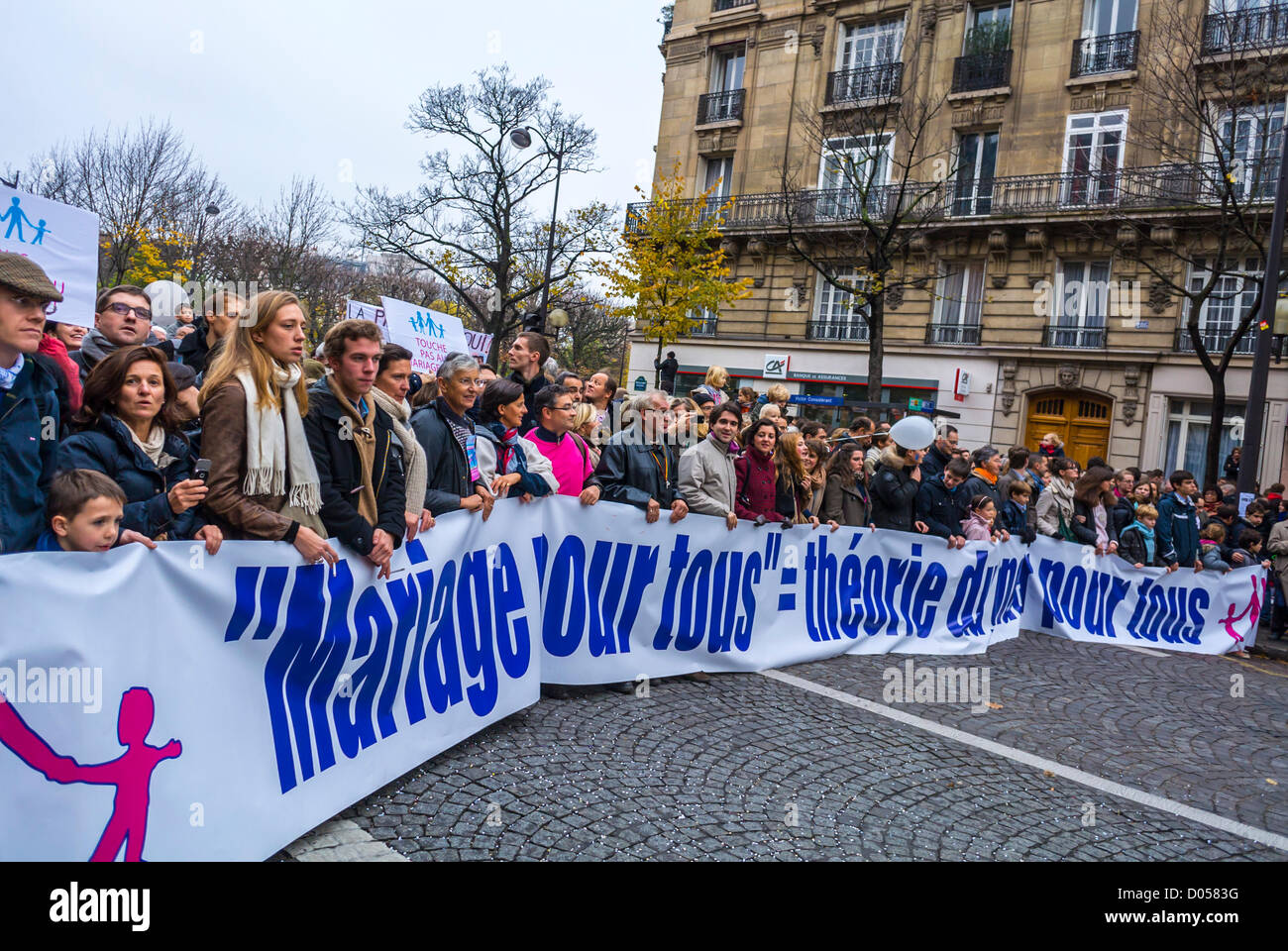 Paris, France, Seniors holding signs, at Anti-Gay Marriage Protest, March by French Conservatives, Campaign Against - Stock Image