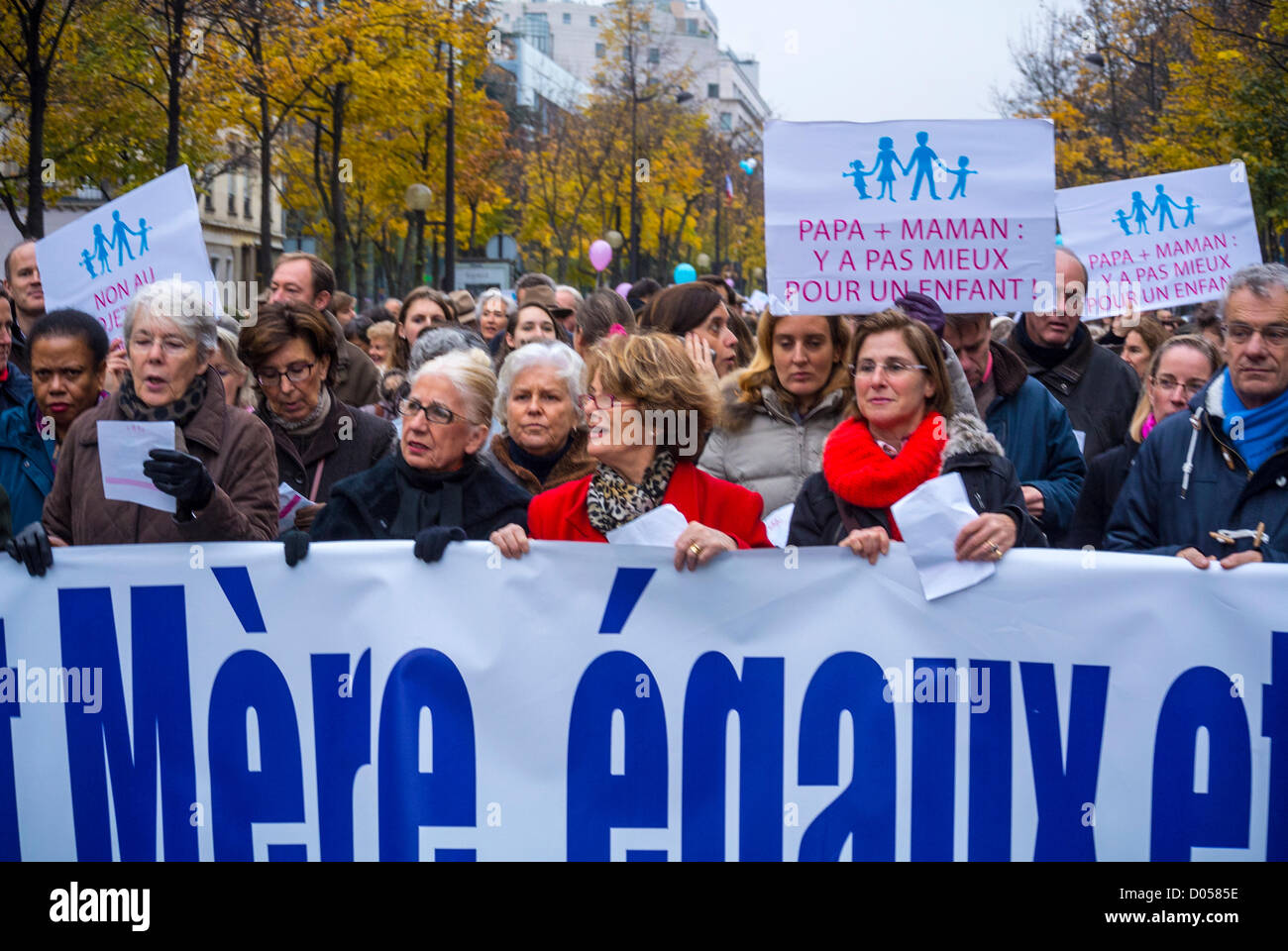 Paris, France, Seniors holding signs, at Anti-Gay Marriage Protest, March by French Conservatives, - Stock Image