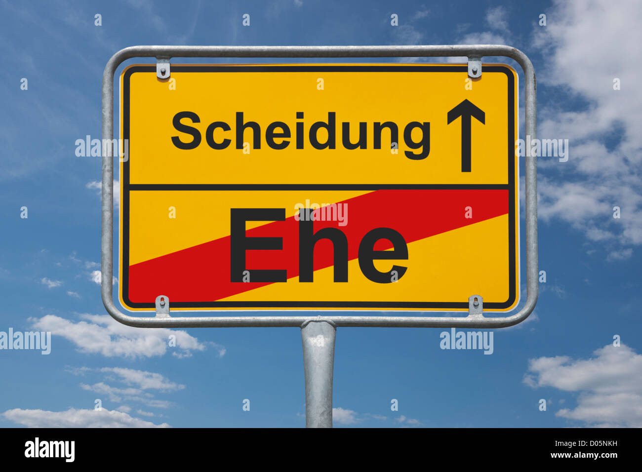 Town sign Germany, End of the town with the inscription end of marriage, beginning divorce - Stock Image