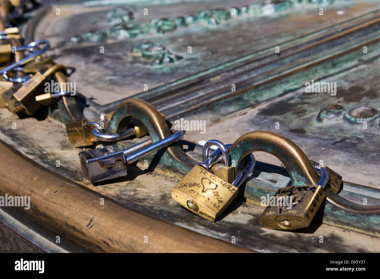 Plaza Mayor, Madrid, Spain. Love Padlocks. Couples write their names on padlocks to symbolize undying love. - Stock Image