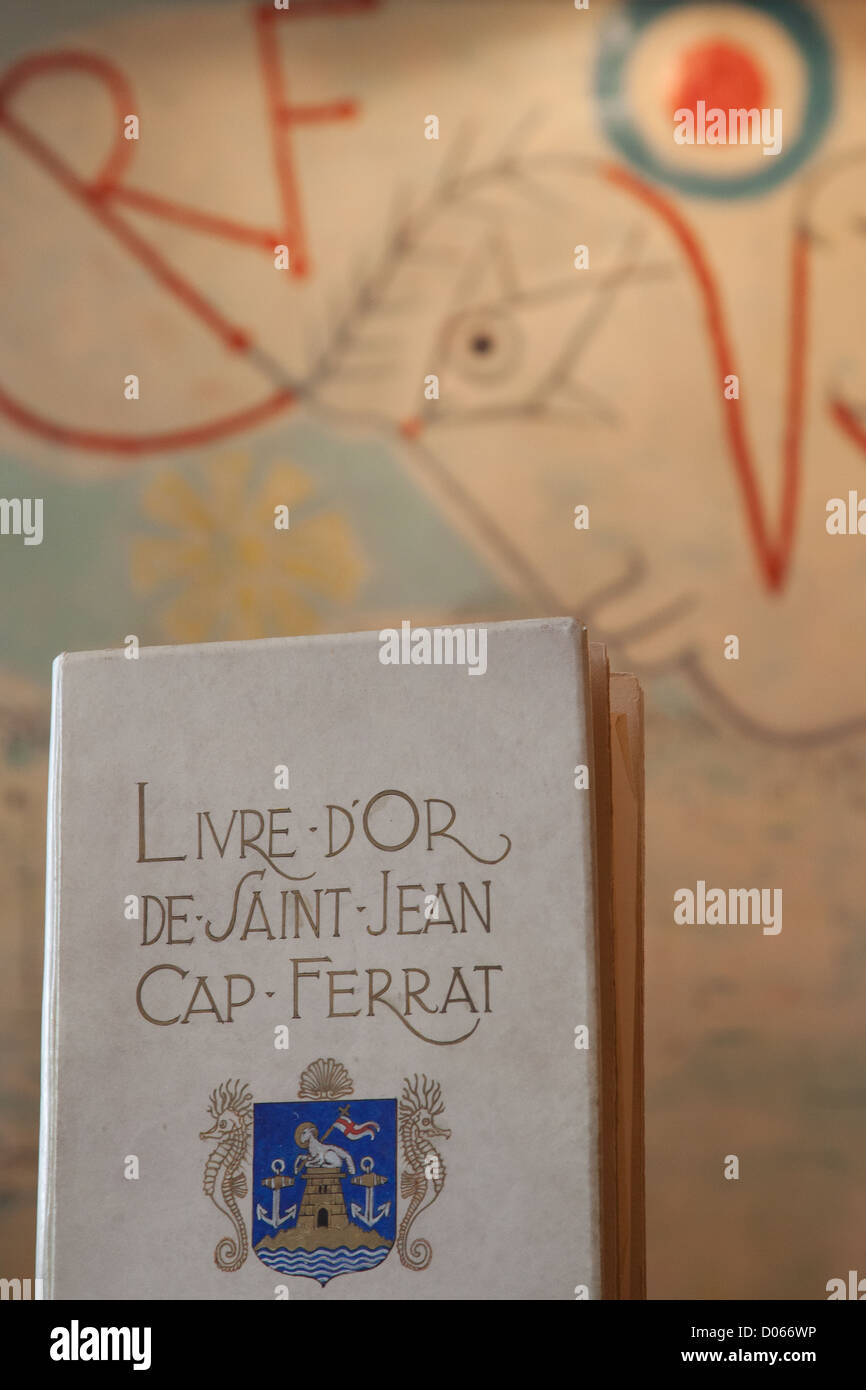 VISITORS' BOOK SIGNED DRAWING JEAN COCTEAU IN 1960 WEDDING HALL IN MAYOR'S OFFICE SAINT-JEAN-CAP-FERRAT - Stock Image