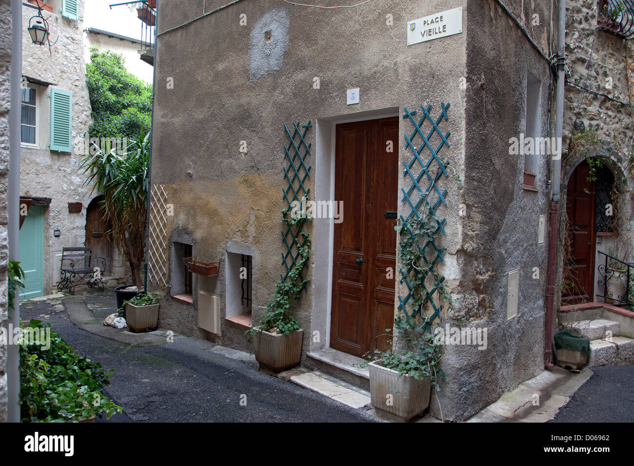 PLACE VIELLE THE SMALLEST SQUARE IN FRANCE VENCE ALPES-MARITIMES (06) FRANCE - Stock Image