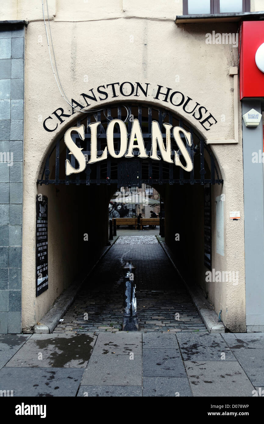 Entrance from Argyle Street to Sloans Bar and Restaurant in Glasgow city centre, Scotland, UK - Stock Image