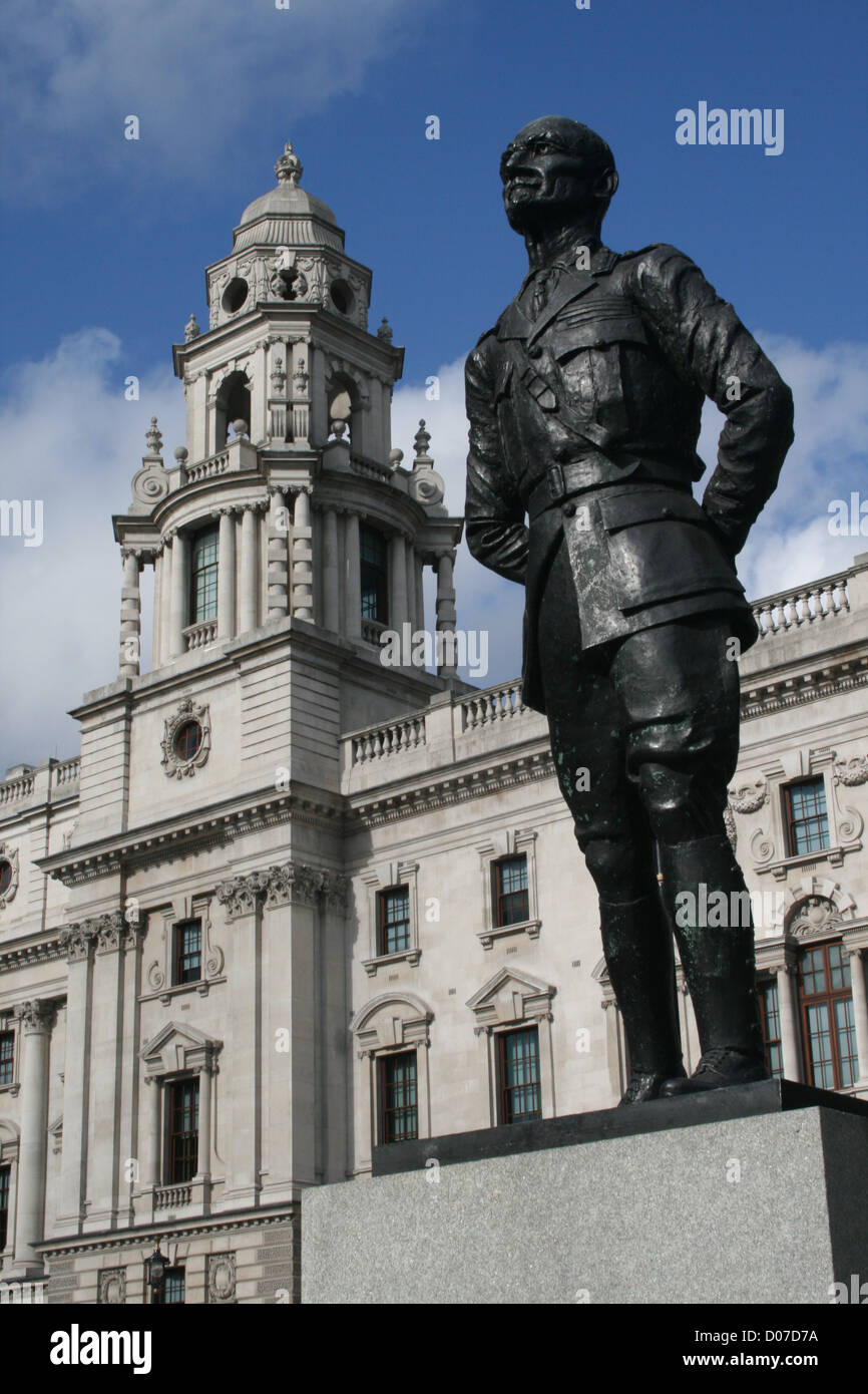 Statue of Jan Christiaan Smuts on Parliament Square, London - Stock Image