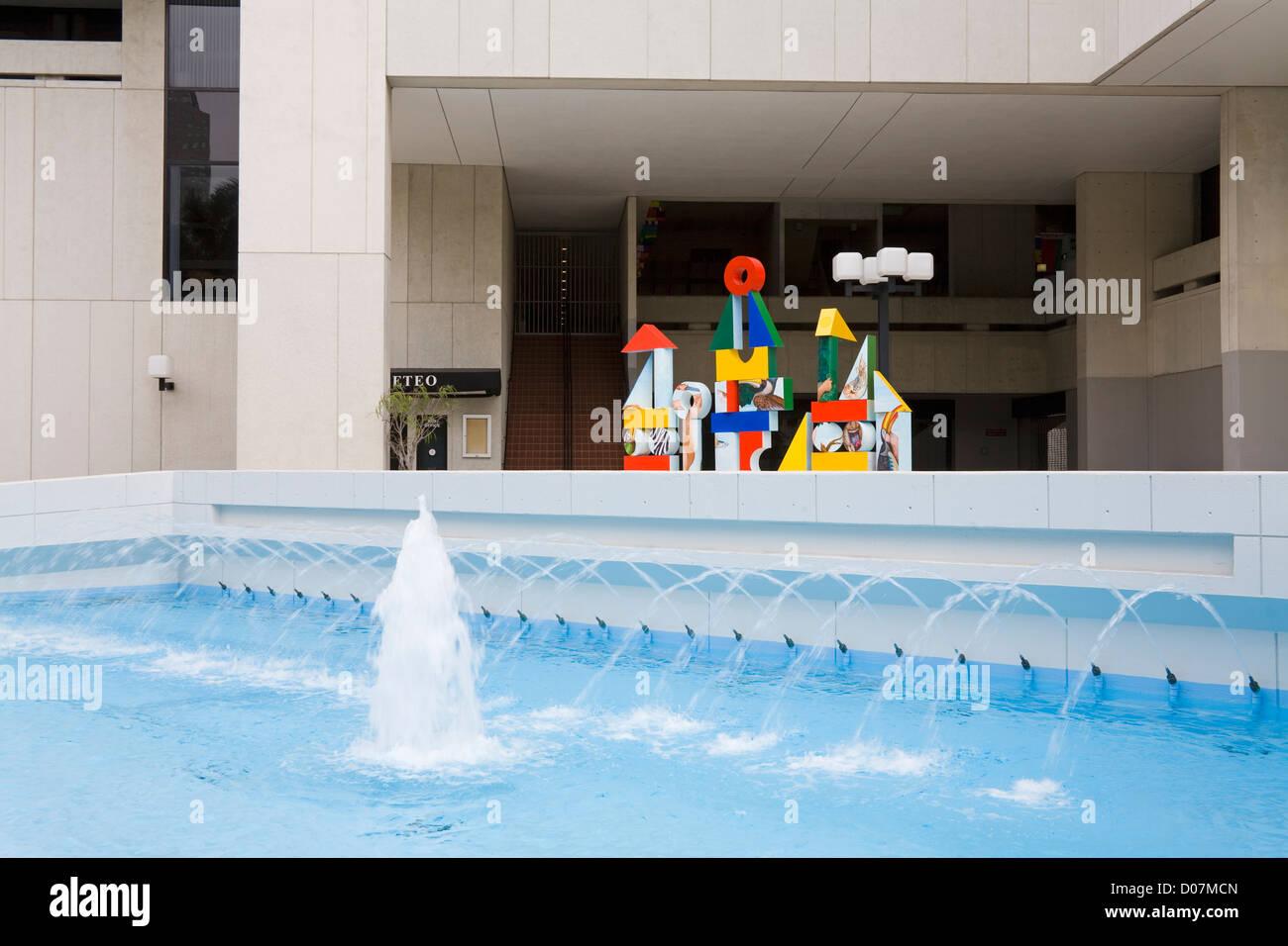 Wolfson Campus fountain,Miami Dade College, Miami, Florida, USA - Stock Image