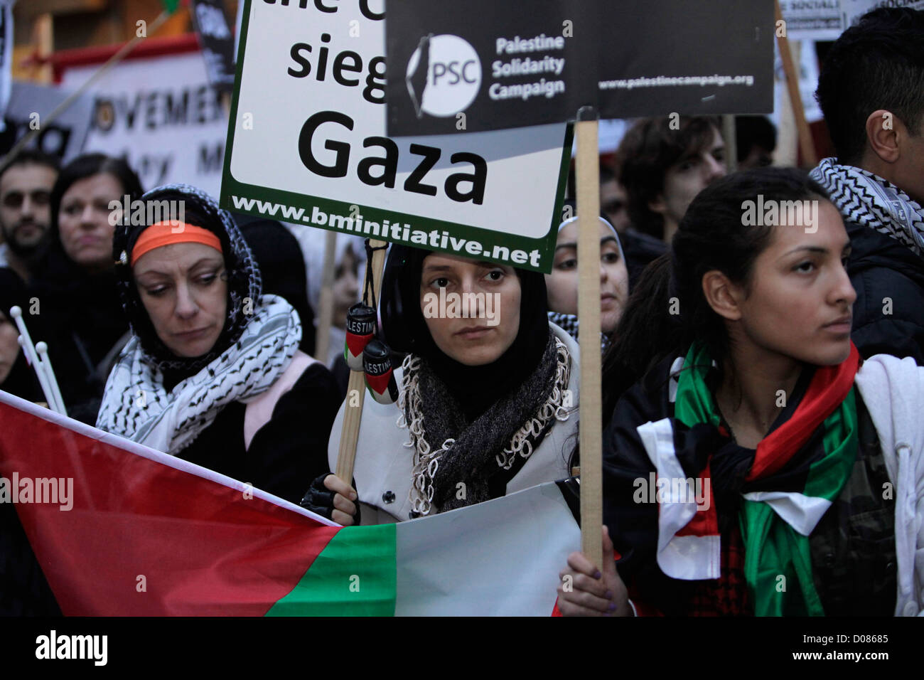 © Rich Bowen Photography. 17/11/2011. London, U.K. British muslims and supporters of palestine hold a rally - Stock Image